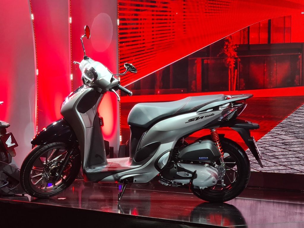 Áp dụng động cơ 4 van thế hệ mới với việc tăng thể tích khí nạp của hỗn hợp nhiên liệu và không khí